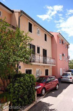 Property Makarska (Makarska) - Accommodation 6088 - Apartments and Rooms with pebble beach.