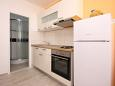 Kitchen - Apartment A-6098-b - Apartments Brodarica (Šibenik) - 6098