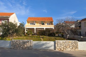 Property Brodarica (Šibenik) - Accommodation 6098 - Apartments near sea with pebble beach.