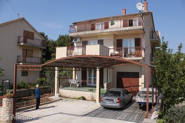 Property Srima - Vodice (Vodice) - Accommodation 6099 - Apartments with pebble beach.