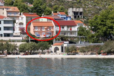 Property Marina (Trogir) - Accommodation 6116 - Apartments near sea with pebble beach.