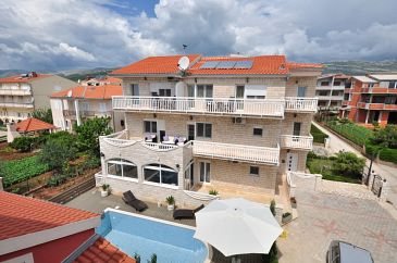 Property Kaštel Štafilić (Kaštela) - Accommodation 6118 - Apartments with pebble beach.