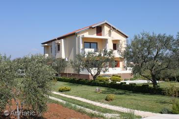 Property Sukošan (Zadar) - Accommodation 6120 - Apartments near sea with rocky beach.