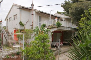 Property Jadrija (Šibenik) - Accommodation 6147 - Apartments near sea with pebble beach.