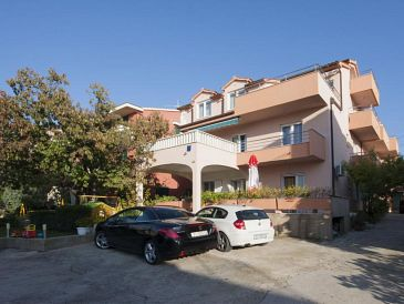 Property Brodarica (Šibenik) - Accommodation 6150 - Apartments with pebble beach.