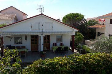 Property Zukve (Zadar) - Accommodation 6156 - Apartments near sea.