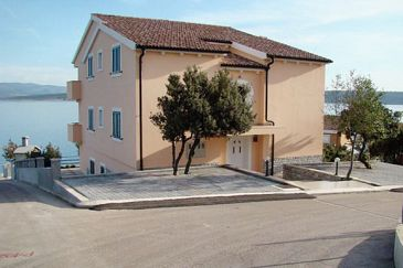 Property Posedarje (Novigrad) - Accommodation 6162 - Apartments near sea with pebble beach.