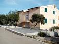 Posedarje, Novigrad, Parking lot 6162 - Apartments blizu mora with pebble beach.