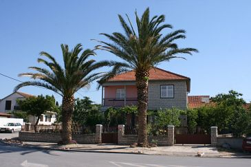 Property Biograd na Moru (Biograd) - Accommodation 6170 - Apartments with pebble beach.