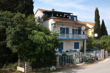 Property Biograd na Moru (Biograd) - Accommodation 6201 - Apartments with pebble beach.