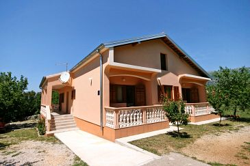 Property Rovanjska (Paklenica) - Accommodation 6209 - Apartments with pebble beach.
