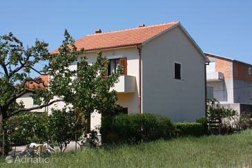 Property Turanj (Biograd) - Accommodation 6212 - Apartments with pebble beach.