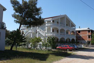 Obiekt Biograd na Moru (Biograd) - Zakwaterowanie 6227 - Apartamenty z piaszczystą plażą.