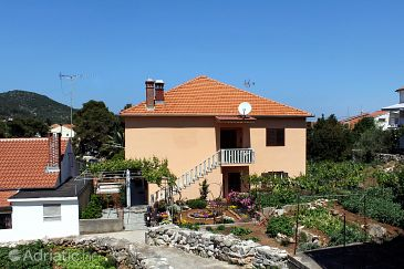 Property Veli Iž (Iž) - Accommodation 6255 - Apartments near sea with rocky beach.