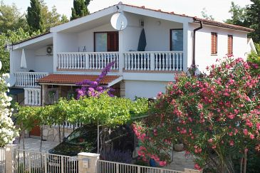 Property Sabunike (Zadar) - Accommodation 6258 - Apartments with sandy beach.