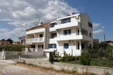 Biograd na Moru, Biograd, Property 6270 - Apartments with pebble beach.