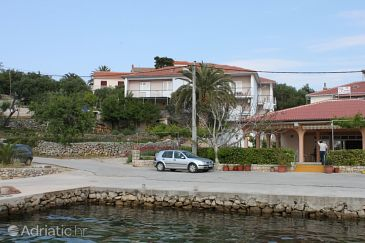 Property Jakišnica (Pag) - Accommodation 6285 - Apartments near sea with pebble beach.