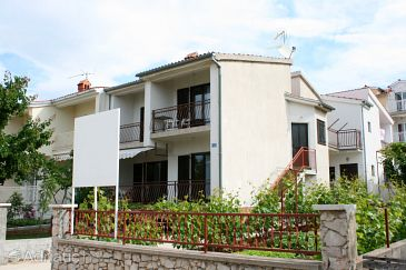 Property Brodarica (Šibenik) - Accommodation 6313 - Apartments with pebble beach.