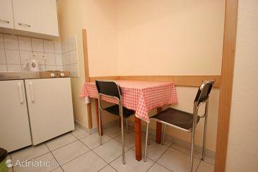 Stara Novalja, Dining room u smještaju tipa apartment, dopusteni kucni ljubimci i WIFI.