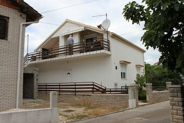 Property Sukošan (Zadar) - Accommodation 6332 - Apartments with pebble beach.