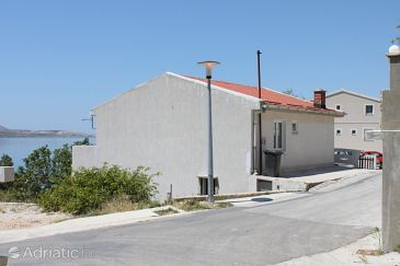 Property Metajna (Pag) - Accommodation 6370 - Apartments with sandy beach.