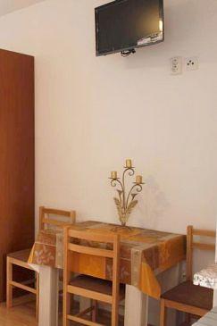 Metajna, Dining room u smještaju tipa studio-apartment, WIFI.
