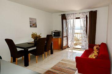 Apartment A-6447-a - Apartments and Rooms Pirovac (Šibenik) - 6447