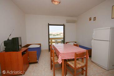 Kustići, Dining room u smještaju tipa apartment, dostupna klima i WIFI.