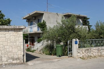 Property Brodarica (Šibenik) - Accommodation 6479 - Apartments near sea with pebble beach.