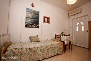 Novalja, Dining room u smještaju tipa apartment, dostupna klima, dopusteni kucni ljubimci i WIFI.