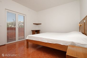 Metajna, Bedroom u smještaju tipa room, dostupna klima i WIFI.