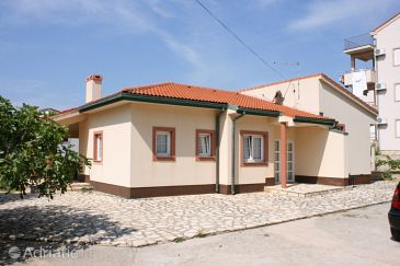 Property Novalja (Pag) - Accommodation 6492 - Vacation Rentals with pebble beach.
