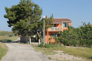 Property Vlašići (Pag) - Accommodation 6509 - Vacation Rentals near sea with sandy beach.