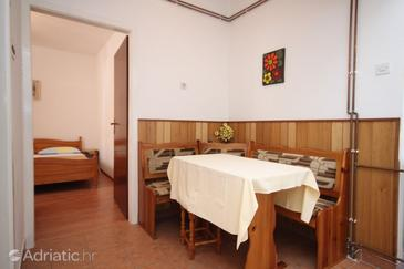 Apartment A-6527-a - Apartments Starigrad (Paklenica) - 6527