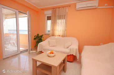Apartment A-6571-a - Apartments Maslenica (Novigrad) - 6571