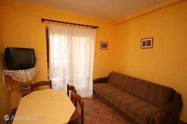 Apartment A-6581-c - Apartments Starigrad (Paklenica) - 6581