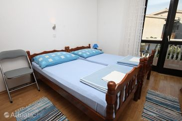 Room S-6588-a - Apartments and Rooms Starigrad (Paklenica) - 6588