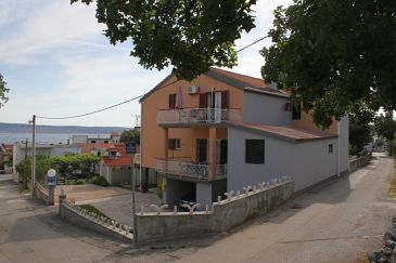 Property Starigrad (Paklenica) - Accommodation 6594 - Apartments and Rooms in Croatia.