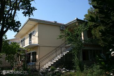 Property Starigrad (Paklenica) - Accommodation 6609 - Apartments near sea.