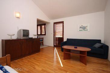 Apartment A-6613-a - Apartments Starigrad (Paklenica) - 6613