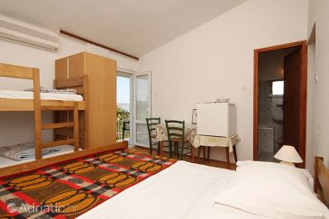 Room S-6622-a - Apartments and Rooms Starigrad (Paklenica) - 6622