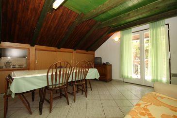 Apartament A-6626-b - Apartamenty Starigrad (Paklenica) - 6626