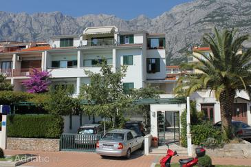 Property Makarska (Makarska) - Accommodation 6632 - Apartments with pebble beach.