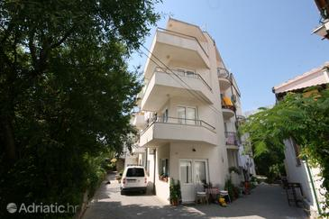 Property Makarska (Makarska) - Accommodation 6642 - Apartments with pebble beach.