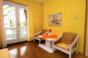 Room S-6644-c - Apartments and Rooms Makarska (Makarska) - 6644
