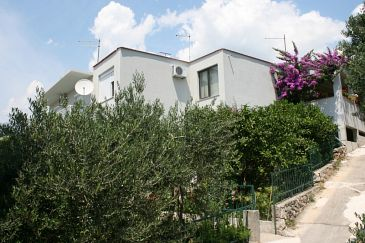 Property Podgora (Makarska) - Accommodation 6645 - Apartments with pebble beach.