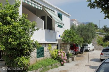 Property Tučepi (Makarska) - Accommodation 6663 - Apartments near sea with pebble beach.