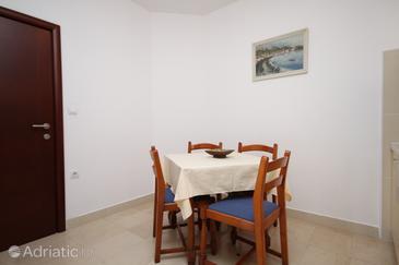 Apartment A-6665-a - Apartments Makarska (Makarska) - 6665