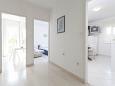 Podgora, Hallway u smještaju tipa apartment, dostupna klima i WIFI.