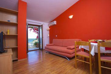 Podgora, Living room u smještaju tipa apartment, dostupna klima i WIFI.